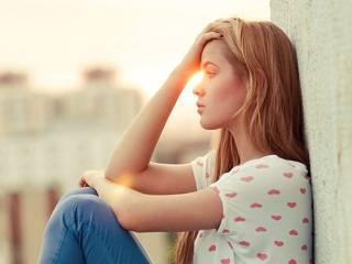 Красивые подруги с Facebook плохо влияют на самооценку