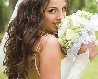Сделать свадебную прическу  на свадьбу. Фото идеи