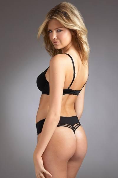 Кейт Аптон снова рекламирует нижнее белье