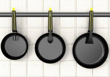 Оригинальные сковороды с инвентарем в ручках. Необходимость ли это?