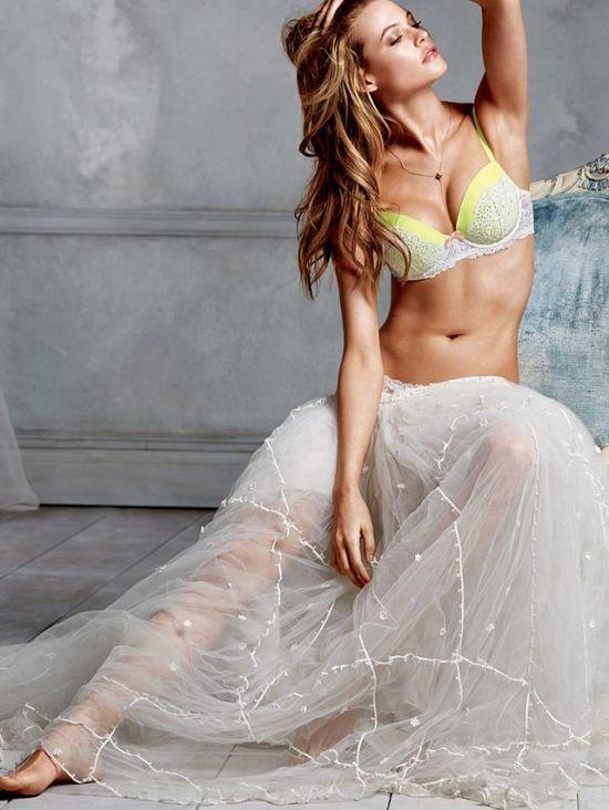 Бехати Принслу в нижнем белье для Victoria's Secret