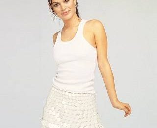 Одежда белого цвета на это лето