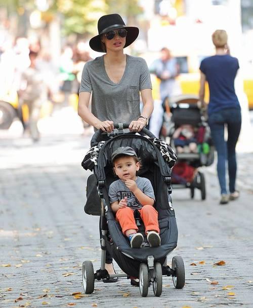 На чем ездит ребенок Орландо Блума и Миранды Керр?