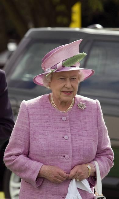 Королева Елизавета хочет изменить стиль герцогини Кэтрин?