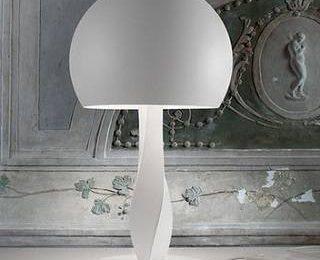 Традиционный светильник из современных материалов