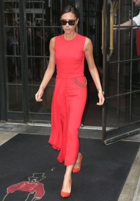 Виктория Бекхэм - леди в красном!