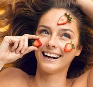 Маска с клубникой для красоты кожи лица