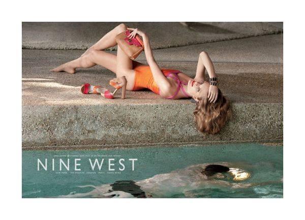 Констанс Яблонски еще раз для Nine West