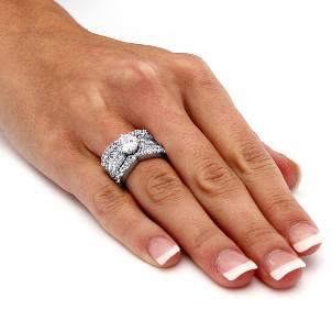 Как подобрать кольцо с камнем?